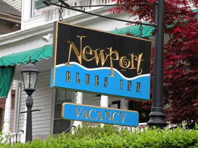newport blues inn