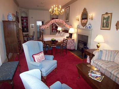 Francis Malbone House - Counting House Suite