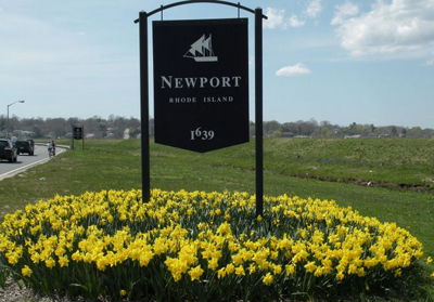 Entering Newport from Middletown by Easton's Beach