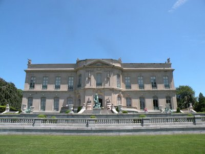 newport mansion tours